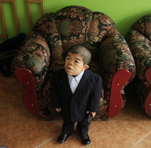 Worlds shortest man according to Guinness Book of Records