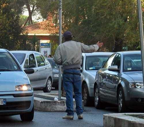 parcheggiatore-abusivo