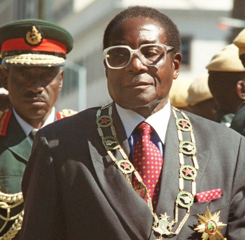 zimbabwean-president-robert-mugabe-inspects-troops-data-1024x712